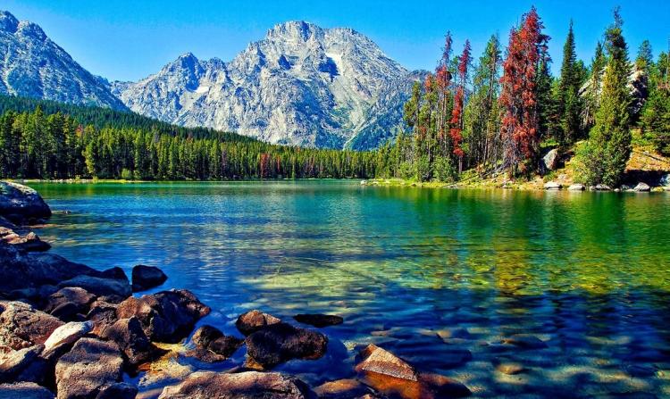 Самые глубокие и загадочные озера в мире