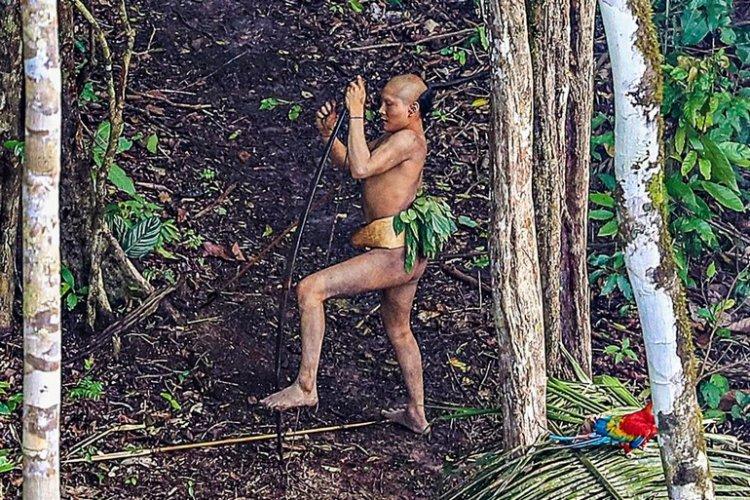 Уникальные фото «первобытного» племени Амазонии