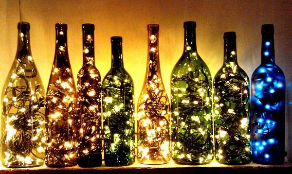 Простые идеи интерьерного декора при помощи стеклянных бутылок