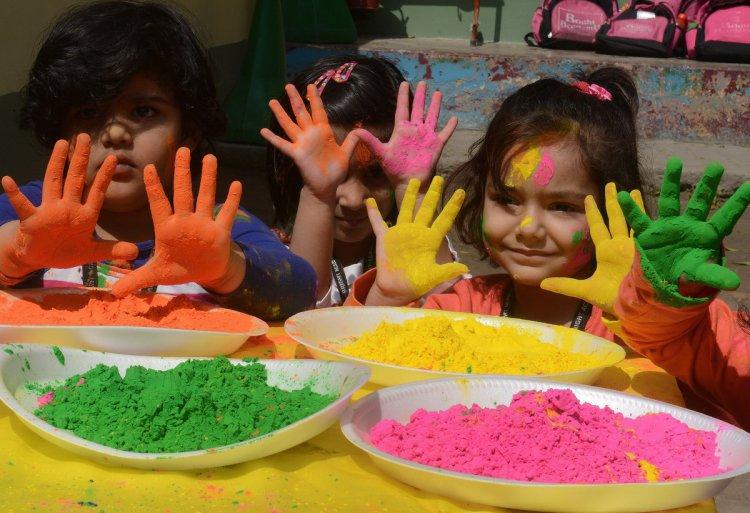 Фестиваль Холи – жизнеутверждающий праздник красок и весны в Индии