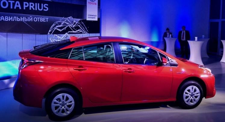 Знакомьтесь: 4-е поколение Toyota Prius!