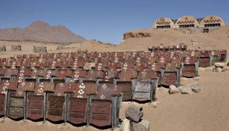 Кинотеатр в пустыне: фото несбывшейся мечты