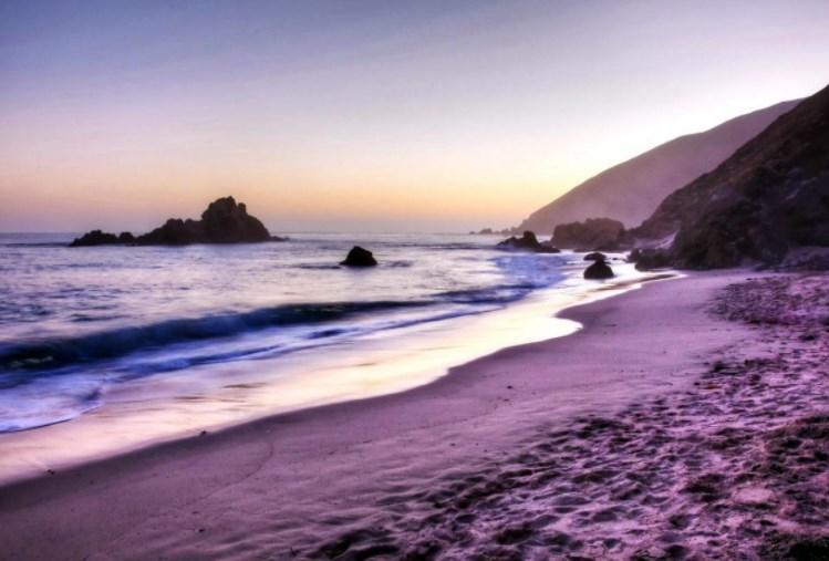Пляжная фантастика: побережья мира с нереальным цветом песка