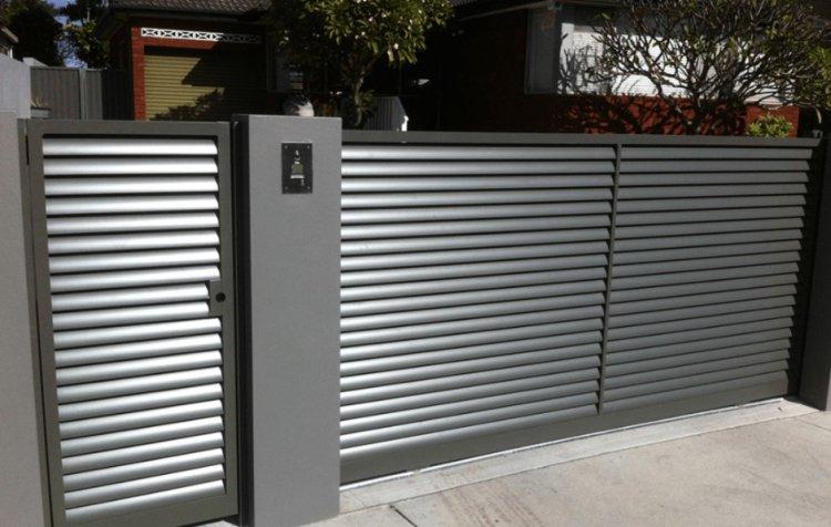 Секционные заборы для дачного участка и частного дома