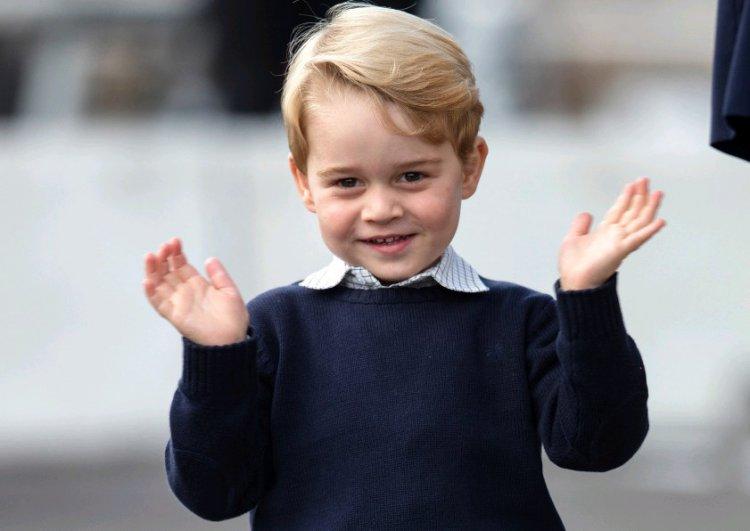 Принц Джордж на Новый год мечтает о пожарной машине