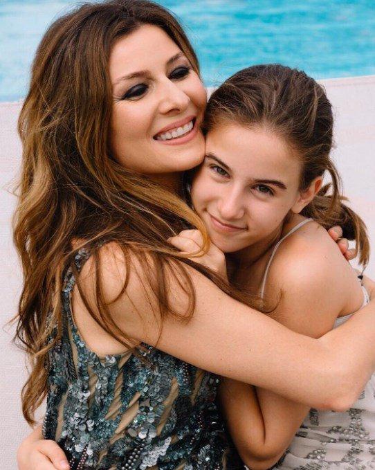 Милое фото Жанны Бадоевой с дочкой