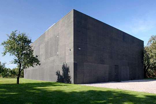 Построили особняк-бункер, абсолютно недоступный для взлома