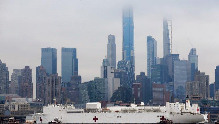 Коллапс медицины в одном из городов США - в Нью-Йорке зараженных коронавирусом больше, чем в Италии
