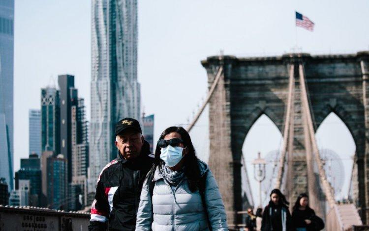 В Нью-Йорке коронавирус убивает людей