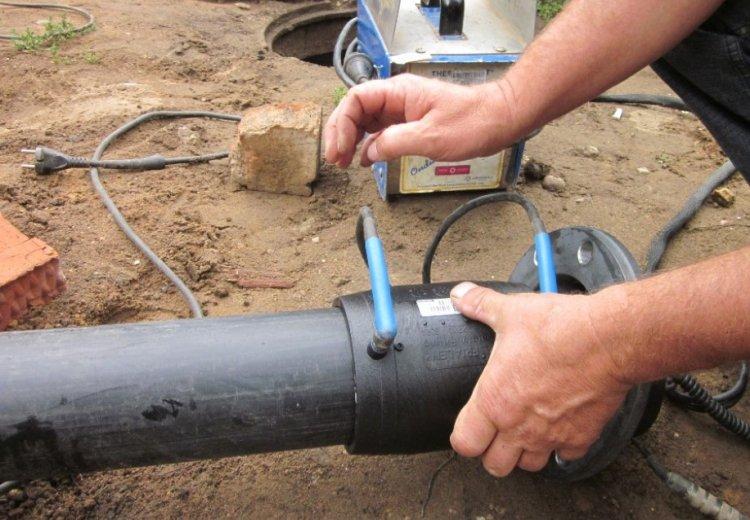 ПВХ-трубы для водопровода – минимальный вес и доступная цена
