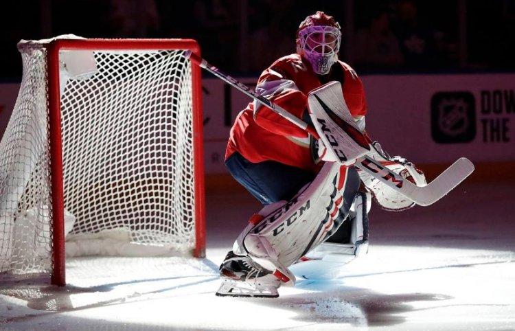 Премию НХЛ «Кинг Клэнси Трофи» впервые может получить российский игрок